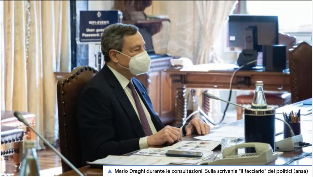 """Draghi alle consultazioni. Sul bavero della giacca la """"rosetta"""" di Cavaliere di Gran Croce"""